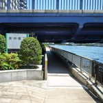 清洲橋下 頭上注意 2